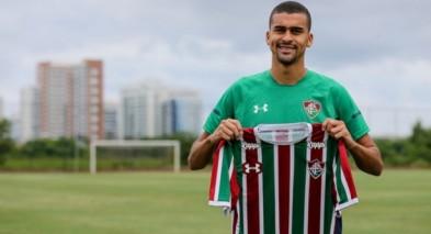 veja mais Fluminense oficializa empréstimo de Léo Santos até o fim da  temporada 66ff0a72e7506
