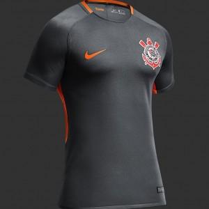 3fc5ff5895 Camisa do Corinthians de 2017 - A camisa faz alusão também à ruas de São  Paulo