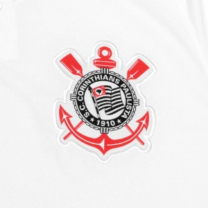Camisa do Corinthians de 2018 - Detalhe do escudo no uniforme I