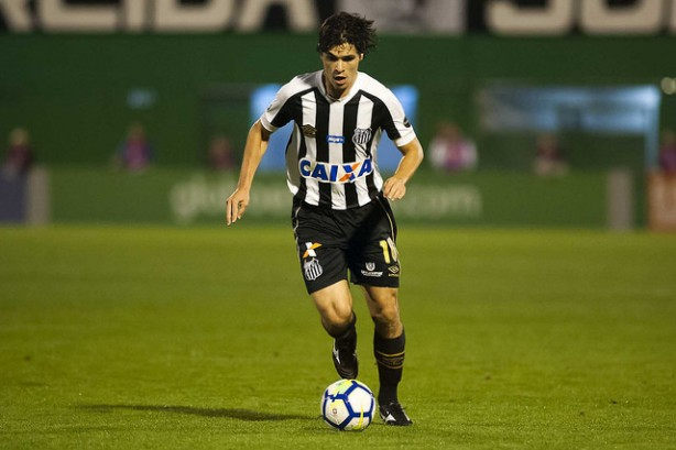 Corinthians entra na briga com Santos para comprar Dodô 47338997b22e5