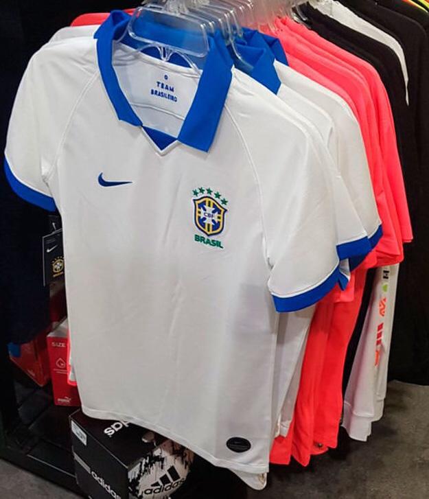 fed3a2596 Possíveis novas camisas para 2019
