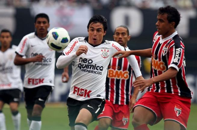 cb07d847164f9 Corinthians 5 x 0 São Paulo - Brasileirão 2011