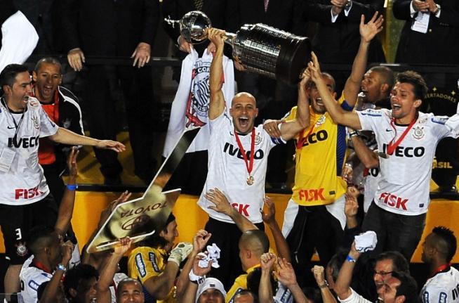 Libertadores 2012 - Corinthians campeão invicto 2x0 Boca Juniors