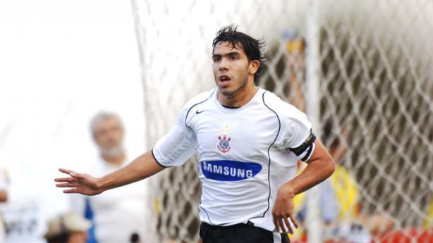 Tevez foi protagonista do título do Brasileirão 2005 pelo Corinthians 9d559539c572e