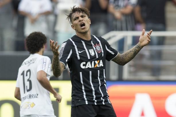 Guerrero perdeu muitas oportunidades na partida contra o Santos