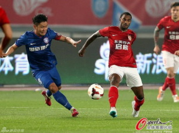 Renê Júnior foi liberado do Guangzhou Evergrande, da China