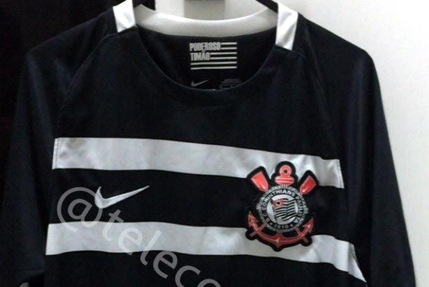 Novos uniformes do Corinthians não agradaram a torcida alvinegra d74a8e418ce55