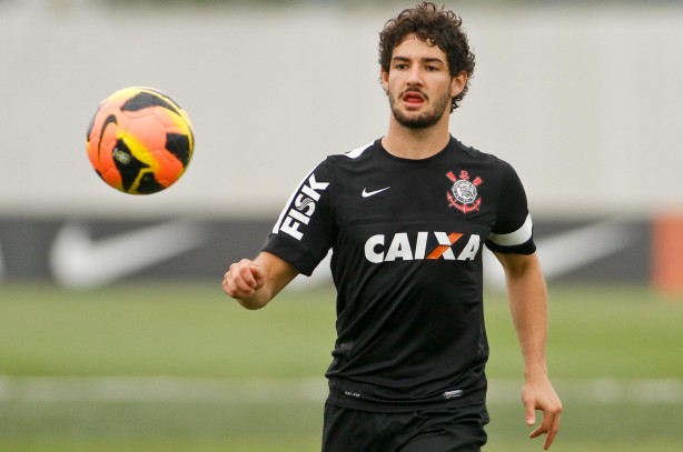 Corinthians e Pato esperam venda para a Europa no final do ano