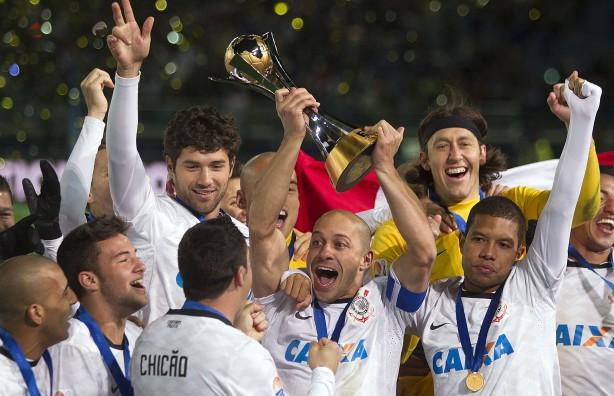 5d8155d58b55d Saiba por onde andam os 23 jogadores que conquistaram o Mundial de 2012