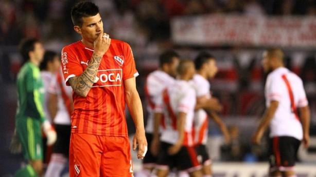 Diretoria alvinegra planeja oferecer cerca de R  10 milhões pelo jogador ao  Independiente a27faa0259b2f