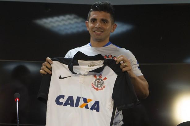 bdb42da8df Guilherme é o novo camisa 10 do Corinthians