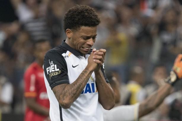 André marcou os dois gols do Corinthians no jogo e converteu sua cobrança  de pênalti 8a9bfff0073f7