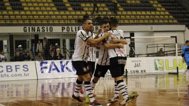 Corinthians goleia o Yoka e avança nas semifinais da LPF 238753b385609