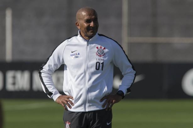 Técnico do Corinthians prevê manutenção de briga acirrada na parte ... d23984922d39f