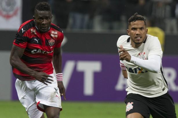 d90ee874e8 Yago explica jogada que resultou no gol contra o Vitória