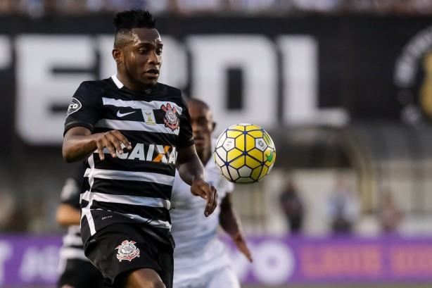 Willians espera nova chance no Timão já no domingo