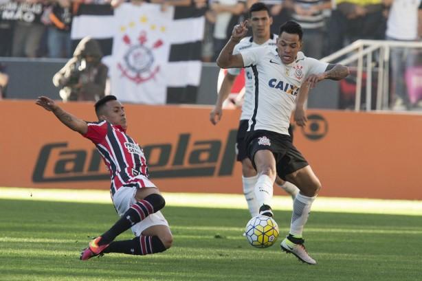 Clássicos têm sido problema para Corinthians e São Paulo neste ano 7c9bf0bdb7937
