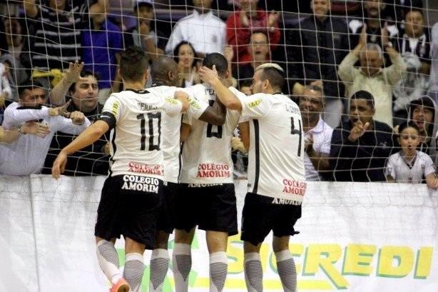 a09cece09a8be Corinthians decide grande final da Liga Paulista de Futsal no Parque ...