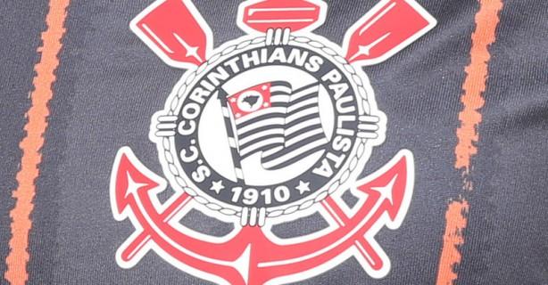 Nova camiseta preta e laranja do Corinthians entra em promoção por R 44.90 3801ef8a252fa
