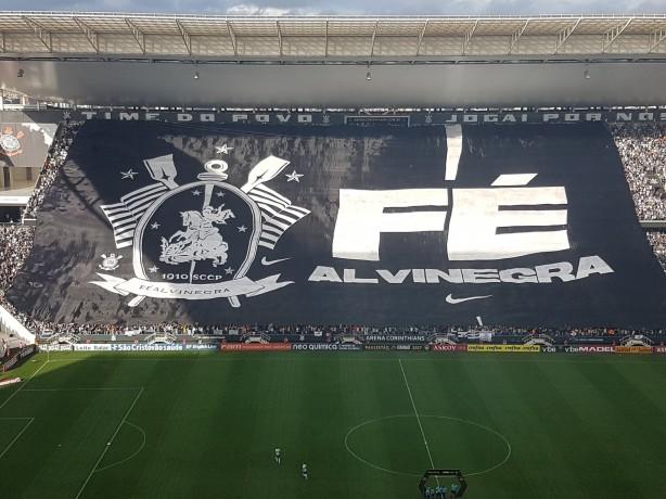 O Corinthians cancelou a exibição de um bandeirão de sua campanha de marketing no último domingo