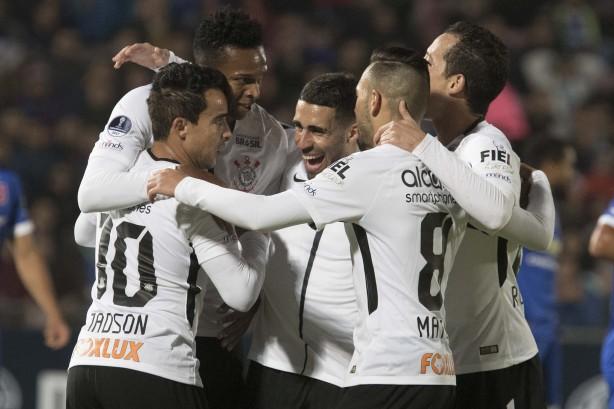 Corinthians venceu a Universidad de Chile por 2 a 1 na noite desta  quarta-feira 4f8fbff32d49d
