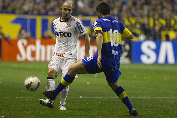 ad2acbb556 Ex-presidente do Boca Jrs. usa o Corinthians para defender Riquelme ...