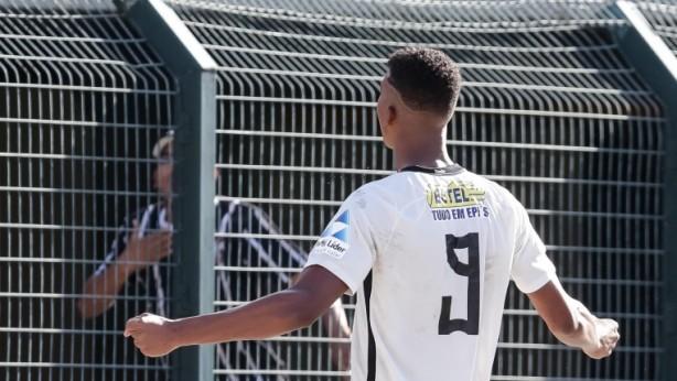Marca estampou a camisa do Corinthians na final da Copa São Paulo deste ano a5912c7bd87c4