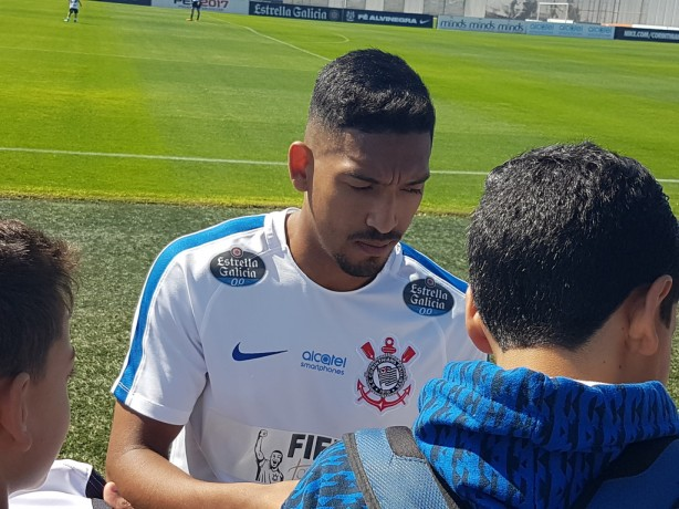 Jogadores do Corinthians se programam para raro fim de semana  veja ... 153c2a8aa398f