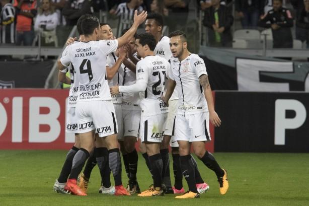 fd4572e411 Corinthians passa Cruzeiro e é o time que mais liderou o Brasileirão ...