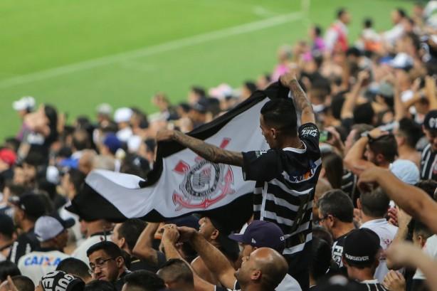 36b31f056e7b5 Torcida do Corinthians vai comparecer em bom número no duelo decisivo  contra o Grêmio