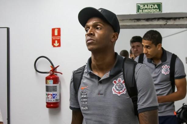 af23693595 Jô joga contra o Atlético-PR nesta quarta e está fora contra o Avaí