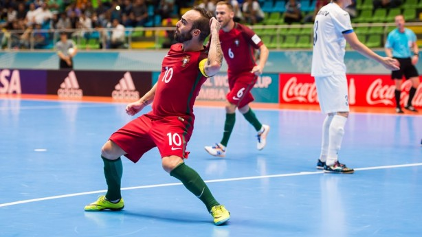 Melhor jogador de futsal do mundo revela carinho pelo Corinthians ... 9319f7b498c34