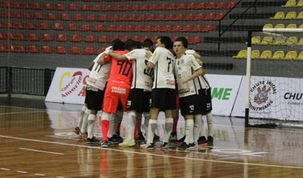 Sub-20 do Corinthians Unip assumiu a liderança do Metropolitano de Futsal 502c22013887d