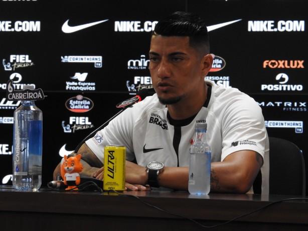 6d733bf3ec Ralf foi apresentado pelo Corinthians no início da tarde desta terça-feira