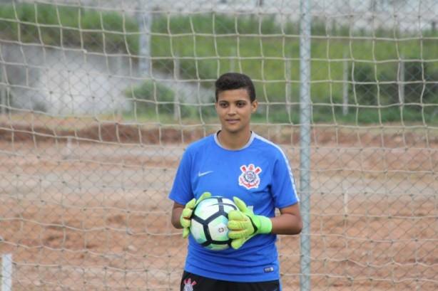 Éllen tem 24 anos e é goleira da equipe feminina do Corinthians ad4caf84fb6d3