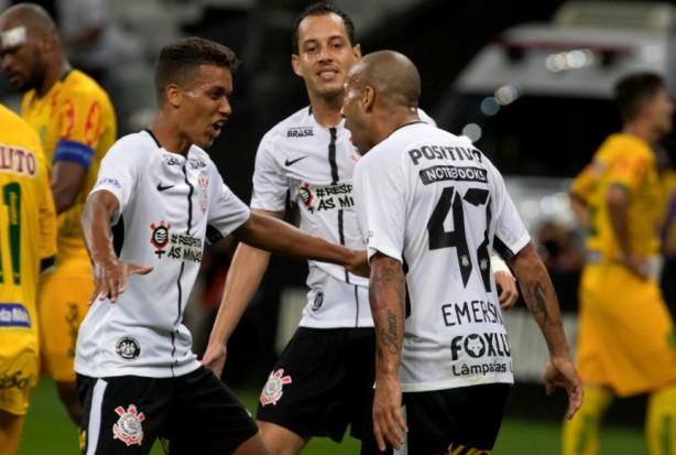0f473428f6 Emerson Sheik marcou o gol da vitória do Corinthians sobre o Mirassol