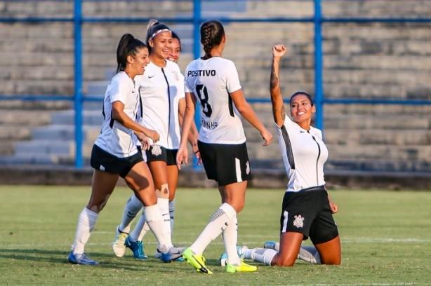 Corinthians inicia neste domingo campanha no Campeonato Paulista feminino  de 2018 b35d9e3f21066