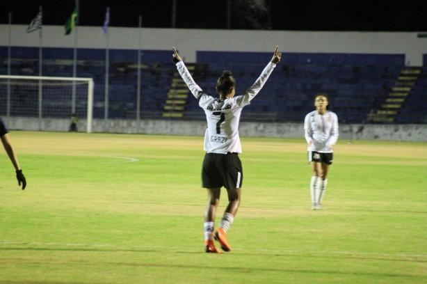 Em jogo com viradas e oito gols, Corinthians vence Ferroviária em ... 2969dda37c