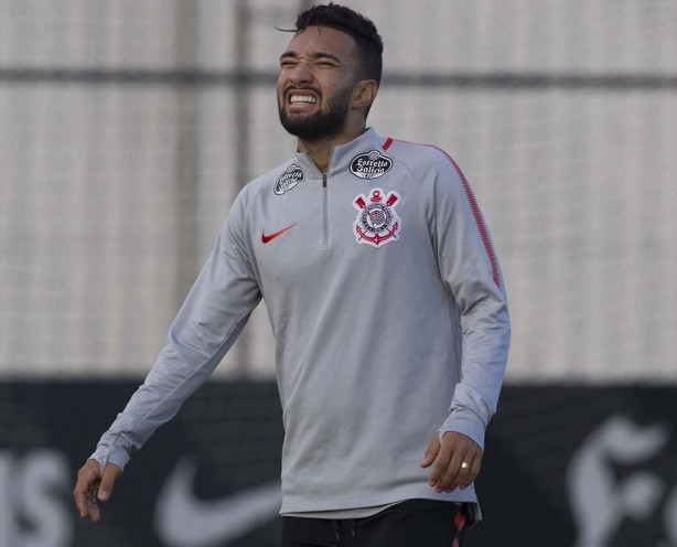 Clayson sofre contratura e desfalca Corinthians diante do Grêmio f23a2693286d1