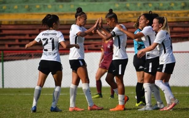 Corinthians goleia Ferroviária e carimba classificação ao mata-mata do Paulista  Feminino 63ca74fa81
