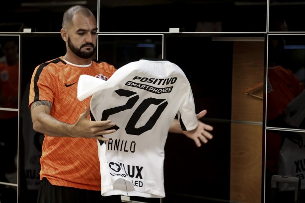 Festa de despedida  Danilo dá letra sobre último jogo pelo Corinthians e452d352dd7a6
