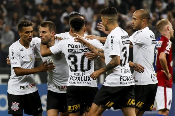 Corinthians vence com gol de Henrique e encerra sequência sem ... 3176906cdfef2