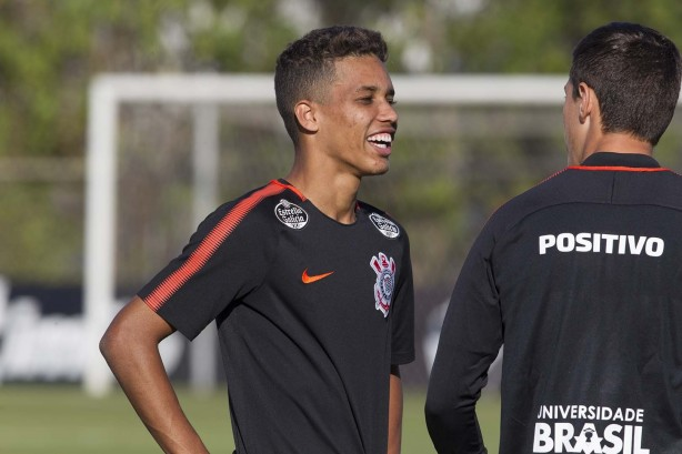 bbaf5bee42c68 Pedrinho sugere permanência no Corinthians em 2019