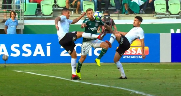 6b627d19d8 Corinthians adotou postura excessivamente defensiva diante do Palmeiras
