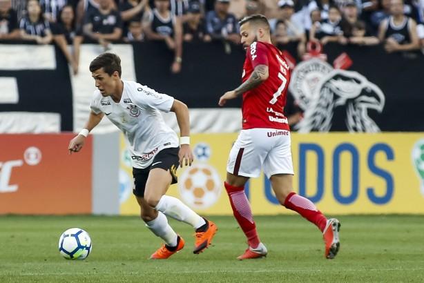 cff1abd6e8 Análise  Corinthians reage após gol impedido e consegue empate ...