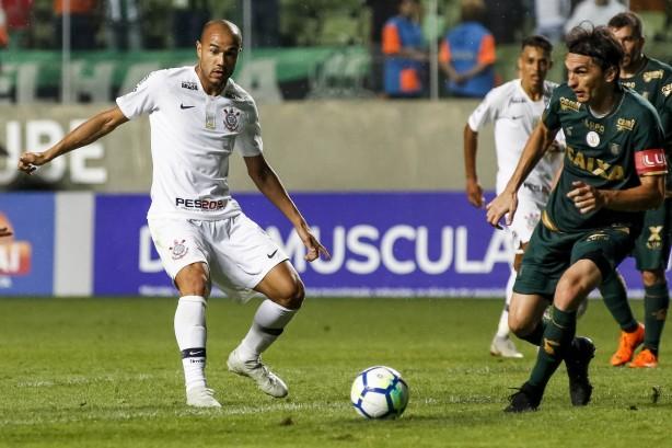 Roger viu pênalti a favor do Corinthians no segundo tempo do jogo diante do América-MG