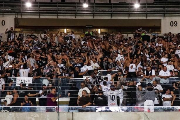 1acba48827825 Torcida do Corinthians se fez ser ouvida no Maracanã em diversos momentos