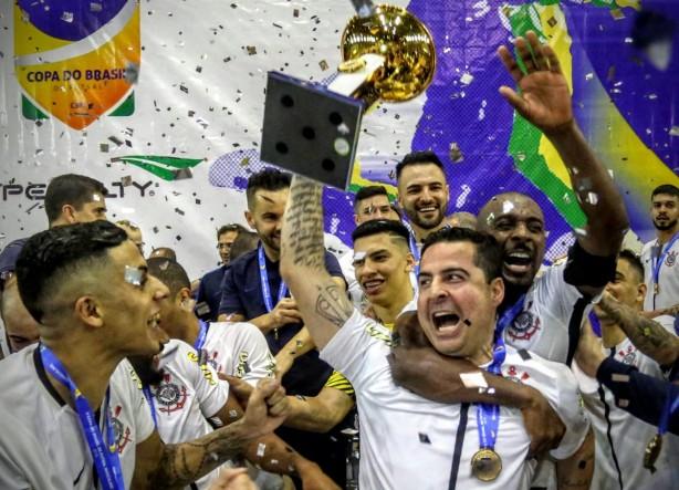 Personagens do Corinthians na Copa do Brasil de Futsal celebram ... 8fe2303c1a2ac