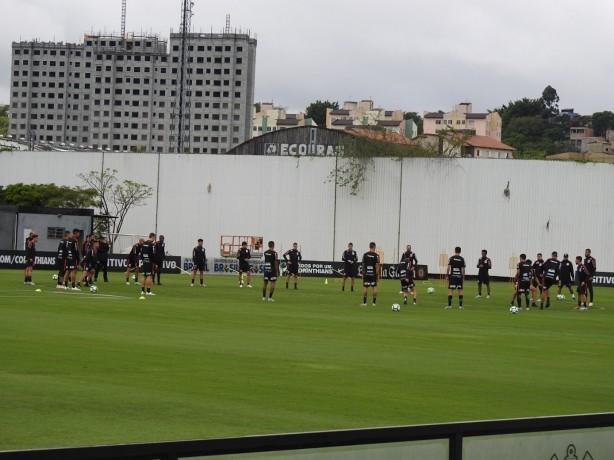 Jair Ventura não esboça time titular para encarar o Vitória; trio não vai a campo e lateral é dúvida