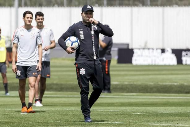 7c779decff Jair comandou penúltimo treino do Timão voltado à partida diante do Bahia